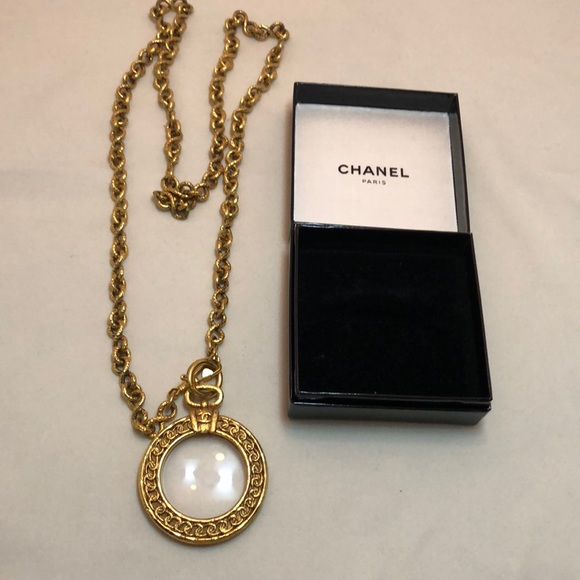 ea767568d9bb1 Vintage Chanel Magnifying Glass Necklace!